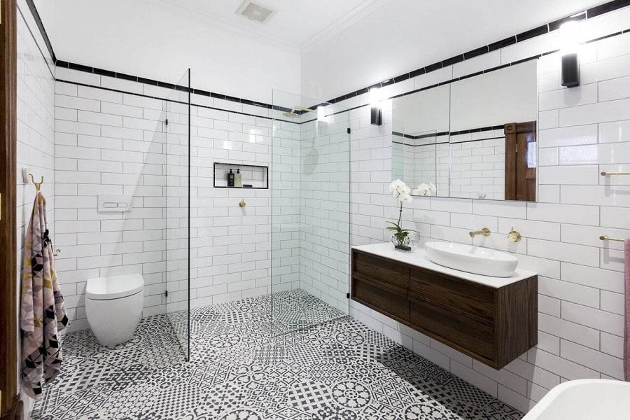 5 patarimai, kurių neturėtumėte pamiršti keisdami savo vonios kambario interjerą
